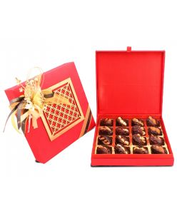 Ramadan special Silk Box with 16 dry fruit Dates