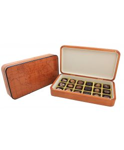 World Map wooden glossy box with 18 chocolates