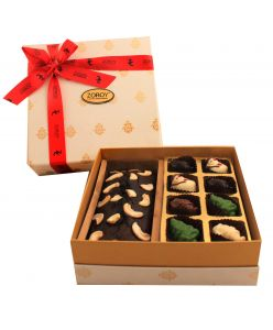 Perfect Christmas Box of 350 gms Plum cake and chocolates