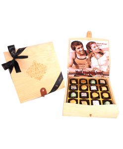 Personalised Flexible top  Wooden Box 16 Assorted Pralines