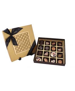 Zoroy laser top box  16 Signature pralines