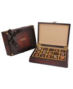 Pure Wood Classy Bolt Box with 15 Belgian chocolates