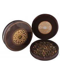 Extravagant pure wood round box with 28 chocolates
