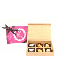 International Woman's Day  Wooden Box of 6 chooclate pralines